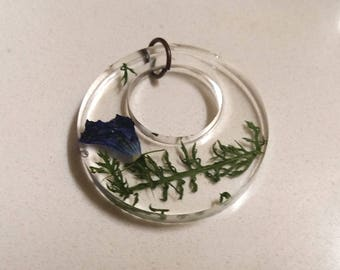 Excursion in the forest (pendant)