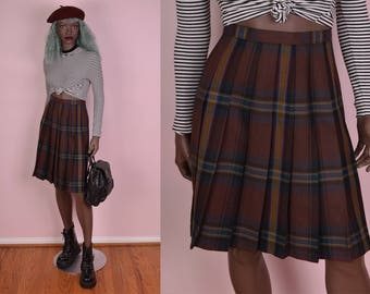 VTG High Waisted Pleated Plaid Skirt/ 25 Waist
