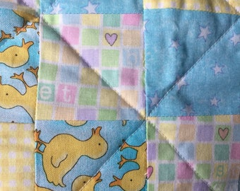 Baby quilt Yellow baby ducks gingham stars hearts HANDMADE previously owned 25 x 35 inch
