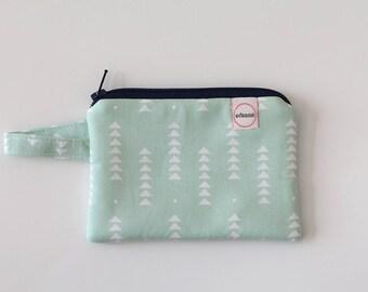 Mint pouch, Minimalist pocket wallet, Change purse, green wallet, mini zipper pouch, earbud case, wallet for mom, gift card holder small bag