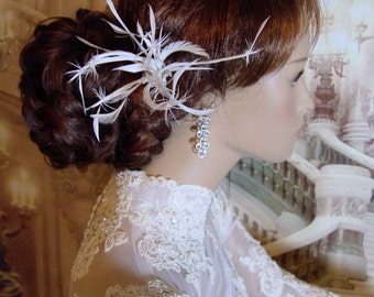 Starburst - Whimsical Off-White Goose Feather Bridal Hair Fascinator Comb