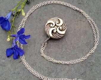 Silver Swirl Aromatherapy Locket Necklace Essential Oils
