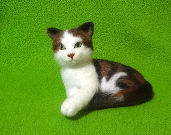 Woolen Sculpture Kitten - Needle Felted - OOAK