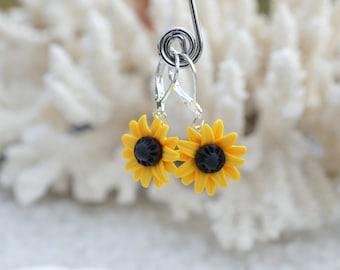 Sunflower Earrings, Summer Flower Earrings, Bridesmaid jewelry, Bridal jewelry, Floral Earrings.