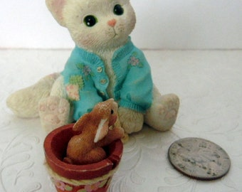 Vintage cat kitten,white cat with bunnyceramic figurine, Enesco 1997, SomeBunny to Love, Priscilla HIlman,VG condition, Love gift