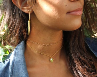 White marble triangle Arrow necklace~minimilast necklaces~Gemstone necklace~Marble choker~Geometric necklace~triangle necklace gold marble