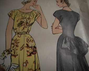Vintage 1940's Simplicity 2430 Dress Sewing Pattern Size 15 Bust 33