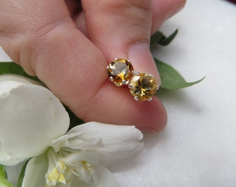 Citrine Studs, Sterling Silver Earrings, Semi Precious 6 mm Round Gemstone Studs, November Birthstone Earrings, Faceted Citrine Silver Posts