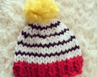 Newborn knit beanie hat with pompom,boy,girl,photo prop,gift idea,bonnet,knit,crochet,ready to ship