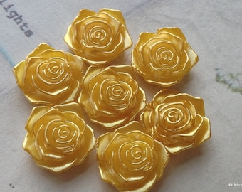 17 mm Shiny Golden Yellow Acrylic Rose Cabochons(.tm)