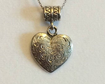 FREE SHIPPING Pendant, Hammered Pendant, heart shaped Pendant, vintage