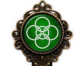 Celtic Symbol - Celtic Symbol - Five Fold Circles - White on Green Bronze Bookmark