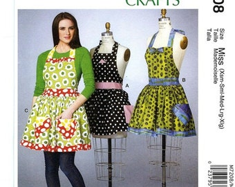 FULL APRON PATTERN / Sizes Petite to Extra Large / 3 Styles / Detachable Petticoat