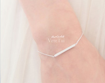 Delicate Minimal Slim Bar Barred Bracelet in Silver