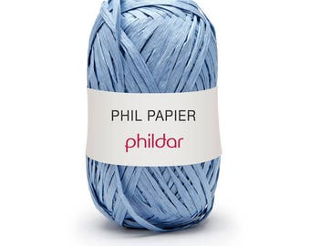 Phil paper, a 100% fiber paper from PHILDAR periwinkle color ribbon yarn