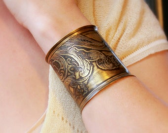Etched Acanthus Leaves Cuff Bracelet