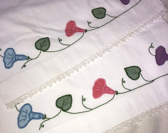 Vintage Pair of White Pillowcases with Hand Applique and a Tatted Edge Tatting