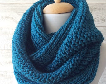 Infinity winter chunky teal scarf knit scarf wool infinity scarf mens womens scarf winter fashion christmas gifts  / FAST DELIVERY