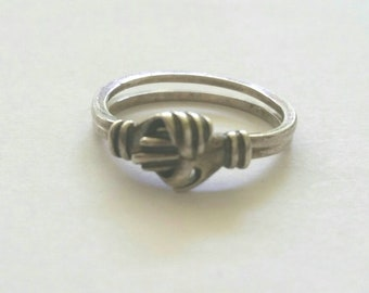 Fede Gimmel silver ring   two hands fede ring