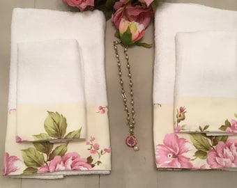 Couple towels with roses