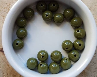 Set of 20 beads 10mm acrylic Green Khaki (P59)