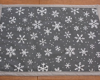Christmas placemats, Holiday placemats, new years placemats, country christmas, snowflake decor, winter decor, christmas decor, placemats
