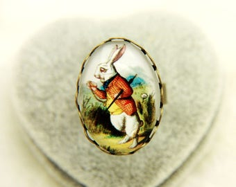 RING  rabbit, alice in wonderland
