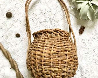 Small Vintage Basket with Handle, Rustic Round Woven Basket, Woodland Basket, Wedding Basket
