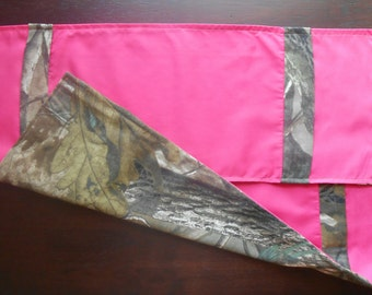 Realtree camouflage and hot pink burp cloth set