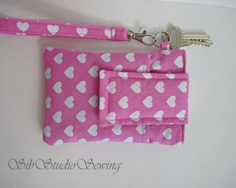 "Hearts Smartphone Wristlet, Fits iPhone 5, SE, and Smartphones up to 5.25"" x 2.75"", Keyring and Pocket"