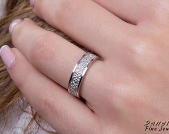 Gold Nature Ring, Flower Wedding Band, Flower Ring, Yoga Gold Ring, Grape Ring, 14k White Gold, Celtic Woman Band, Gold Promise Band