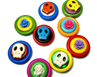 Decorative Magnets, Day Of The Dead  Magnets, Colorful Magnet Set, Dia de los Muertos, Skull Magnets, Upcycled Buttons, SALE