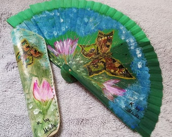 7.5 inch hand painted fan and case
