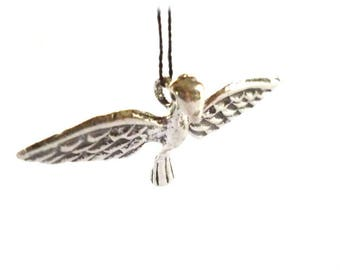 Flying Bird Charms, Silver Tone Metal Bird Charms, Gliding Bird Charm - Pack of Five
