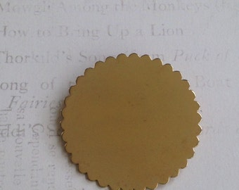 SARAH COV Scalloped BROOCH / Ready to be ENGRaVED/ Monogram Brooch Pin / Goldtone Brooch / Scalloped Blank Keepsake