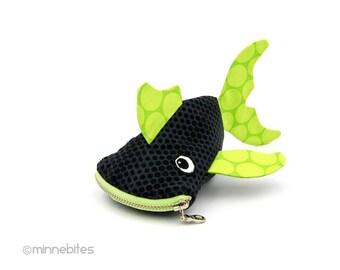 Poisson pochette - pochette garçons - poisson vert - Cute enfants pochette - petit porte monnaie - Animal traiter sac - poisson Trésor sac - sac prêt à l'expédition