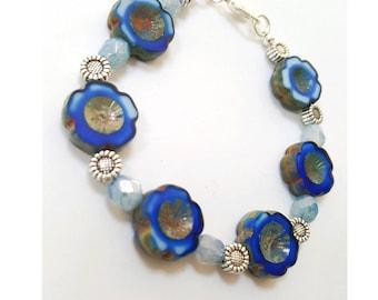 poppy bracelet, Czech glass flower bracelet, blue Czech glass bracelet, blue flower bracelet, floral glass bracelet, Czech glass jewelry