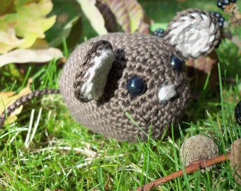 TUTORIAL: Crochet Mouse Pattern