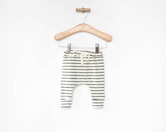 gender neutral baby clothes, charcoal stripes baby leggings, sarouel pants, toddler harem pants, harem pants, newborn baby, baby shower gift