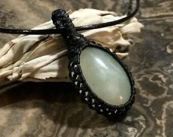 Jade macrame necklace, green, lucky