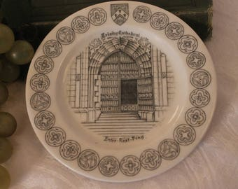 """Trinity Cathedral, Cleveland Ohio 5.5"""" Commemorative Plate made by Walker China of Bedford, Ohio"""