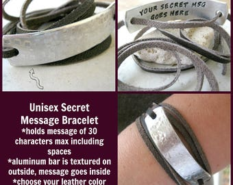 Custom Secret Message Bracelet, Message of 30 characters max, Men's Leather Wrap, Men's Bracelet, Hidden Message Bracelet, Texture outside