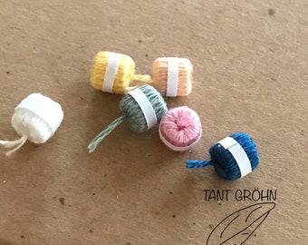 6 miniature balls of yarn