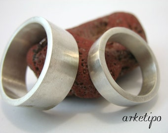 Wedding Bands - Personalized Sterling silver Rings.. Couple Rings..Handmade.. Hammered.. Hand Stamped