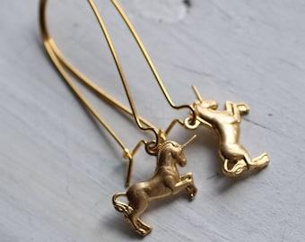 Unicorn Earrings ... Pegasus Horse Mythical Vintage Gold
