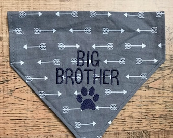 Big Brother dog bandana Grey fabric with white arrows  reversable dog bandana/Pregnancy surprise announcement/Personalized scarf