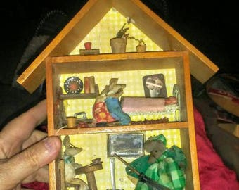 Vintage Enesco Wooden House with Miniature Mice