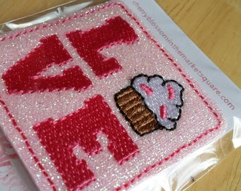 Love Cupcake Downward Glittery Paper Clip