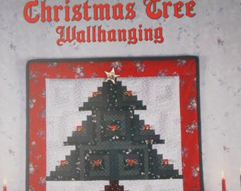 "Log Cabin Christmas Tree - Wall Hanging Quilt Pattern from ""Quilt in a Day"""