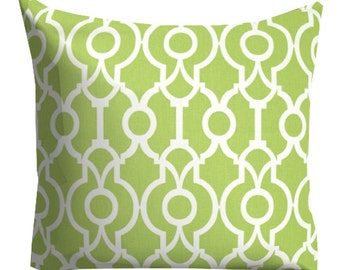 green decorative pillow, green pillow cover, spring pillow, trellis pillow, lattice pillow, pillow for couch, home decor, green couch pillow